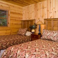 Ruby Lodge Twin Bedroom